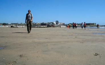 Wanderung über den Strand von Matosinhos
