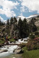 Im oberen Benasque-Tal wandern wir am Fuße des Anetos, dem höchsten Berg der Pyrenäen