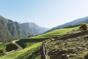 Im nödlichen Vinschgau ist das Tal noch eng...