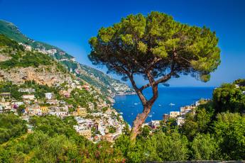 Die Amalfiküste ist architektonisch wie landschaftlich einfach wunderschön. Auf geht´s!