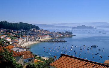 Kurz hinter Pontevedra bietet der Camino einen Ausblick auf den Ria de Pontevedra (5. Tag)