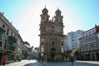 """Die Kirche """"La Peregrina"""" (Die Pilgerin) ist das Wahrzeichen der schmucken Altstadt von Pontevedra"""