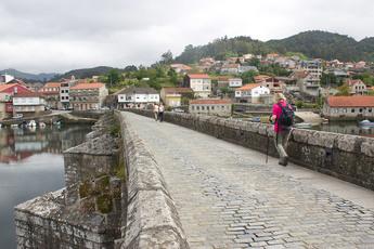 Die mittelalterliche Brücke Ponte Sampaio bei Arcade (3. Tag)