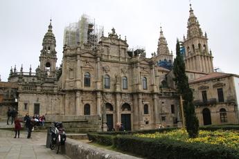 Die Kathedrale von Santiago zur Abwechslung mal von der Rückansicht, da sie vorn (im Februar 2017) großflächig eingerüstet war.