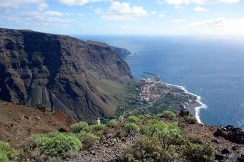 ...und so sieht der Blick vom Valle Gran Rey auf den Ort aus! Herrlich, oder?