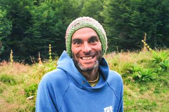 Unser Wanderführer Nano. Die Mütze ist sein Markenzeichen und wird so gut wie nie abgenommen.