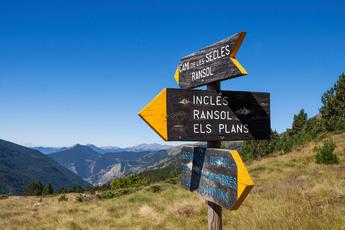 Wir nehmen den Weg nach links, ab ins Ransol-Tal (5. Tag).