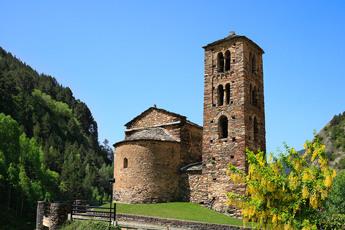 Auf dem Rückweg schauen wir auch noch bei der romanischen Prachtkirche St Joan de Caselles vorbei.