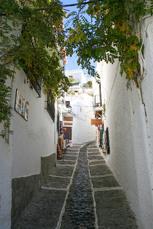 Das weiße Dorf Bérchules liegt auf dem Weg nach Lobras (3. Tag)