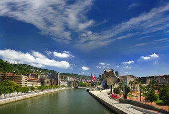 Block 1: Bilbao mit Blick auf das Guggenheim-Museum
