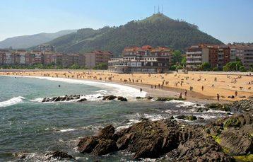Block 2: Strandpromenade von Castro Urdiales