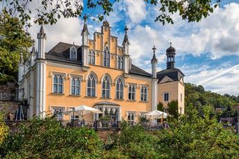 … und dann vorbei am prächtigen Schloss Sayn, der Stammburg der Fürsten von Sayn-Wittgenstein