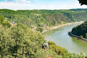 Der Aufstieg zur Loreley wird mit diesem Rheinpanorama belohnt