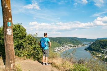 Die Filsener Ley ist eine Hangkante, die schönste Rheinpanoramen bietet