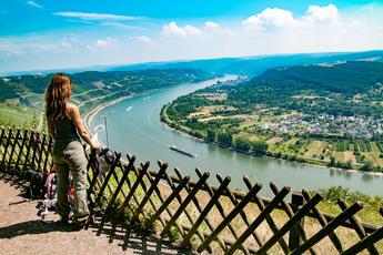 """Hinter Boppard wartet der Aufstieg zum Gedeon, wo dieser fantastische Ausblick zur Pause """"zwingt"""""""