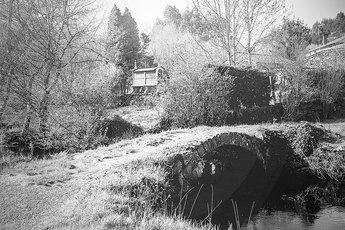 Die altehrwürdige Ponte Ferreira ganz stilecht in schwarz-weiß