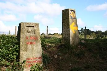 Wegmarkierung zwischen Sarria nach Portomarin