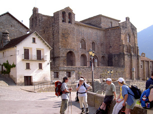 Siresa mit romanischer Kirche, Nachbardorf von Hecho