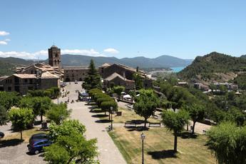 Blick von der Burganlage auf die Altstadt Ainsas