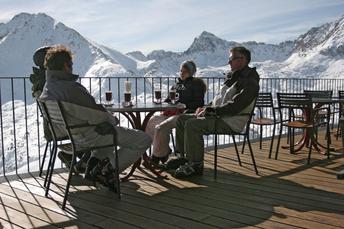 Im Skigebiet Grandvalira kann man auch gemütlich Kaffee trinken