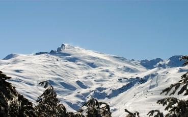 Blick auf das Skigebiet Sierra Nevada