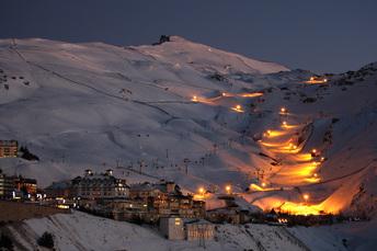 Nacht-Skifahren im Sierra Nevada Ski Resort