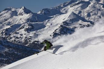 Im Skigebiet Baqueira-Beret stehen mehrere ausgewiesene Tiefschneeabfahrten zur Wahl