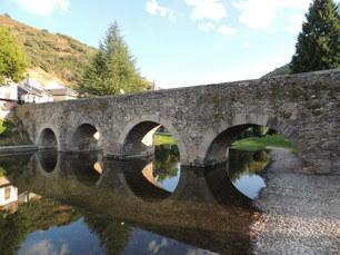 Mittelalterliche Brücken finden sich allerorten
