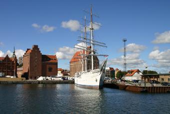 Die Gorch-Fock im Hafen von Stralsund